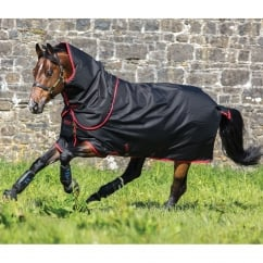Super Hero 12 Plus 200g Turnout Rug Black/Red