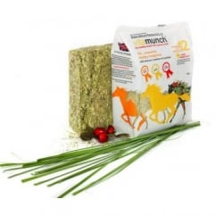 Vitamunch Heavenly Hedgerow 1Kg - Horse Snack / Treat