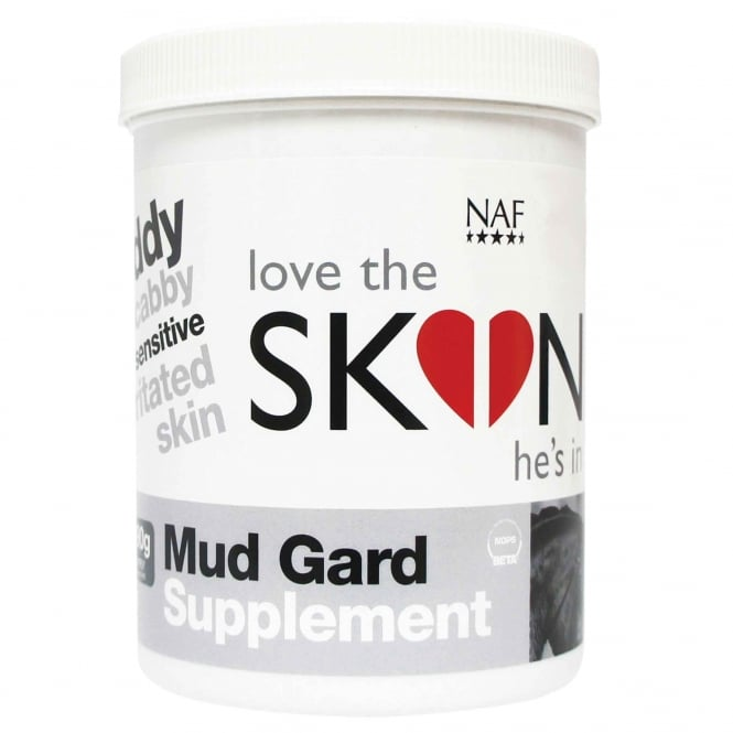 NAF Love The Skin He's In Mud Gard 690g Horse Supplement